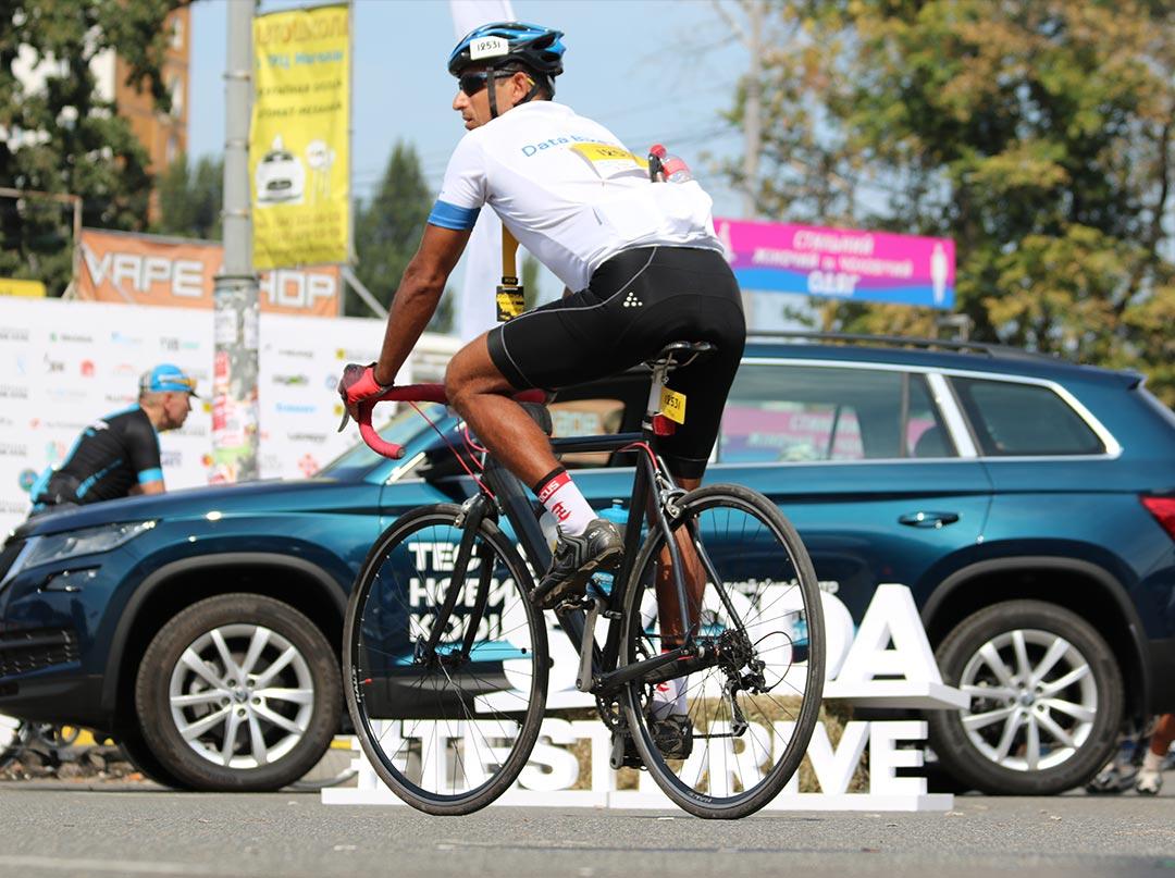 ŠKODA поддерживает велоспорт в Украине