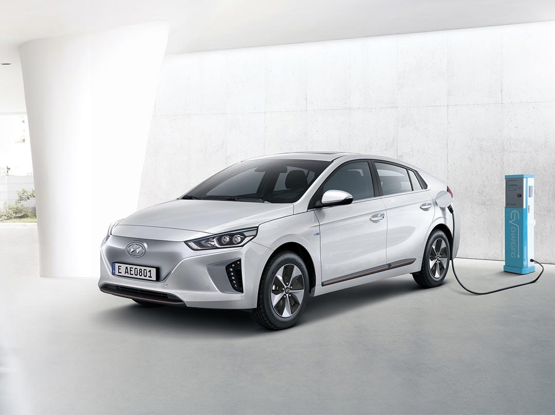 Ціна на електромобіль Hyundai IONIQ Electric – зафіксована в гривні!